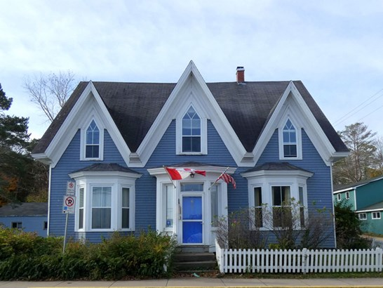 654 Main Street , Mahone Bay, NS - CAN (photo 1)