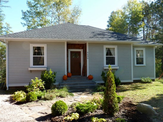 4090 Highway 3, Chester, NS - CAN (photo 1)