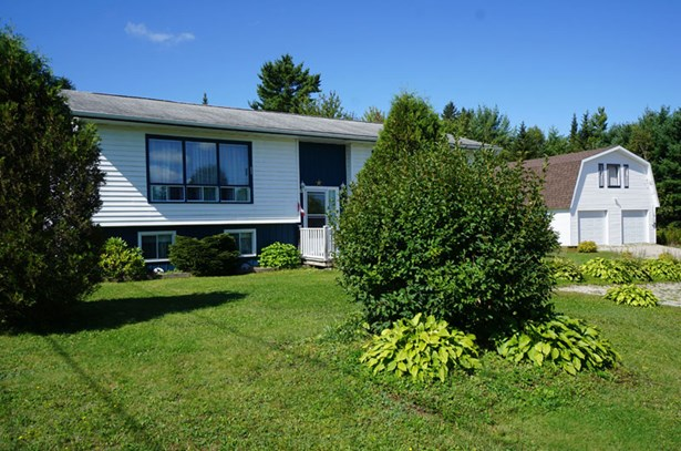 48 Bridgeview Drive, Gold River, NS - CAN (photo 3)