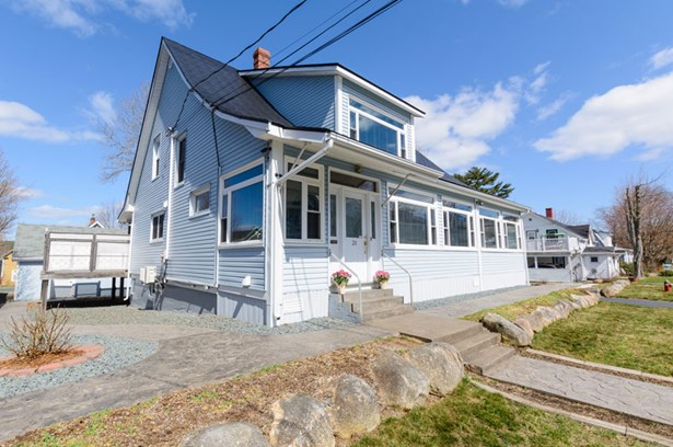 31 Scotia Street, Bridgewater, NS - CAN (photo 3)