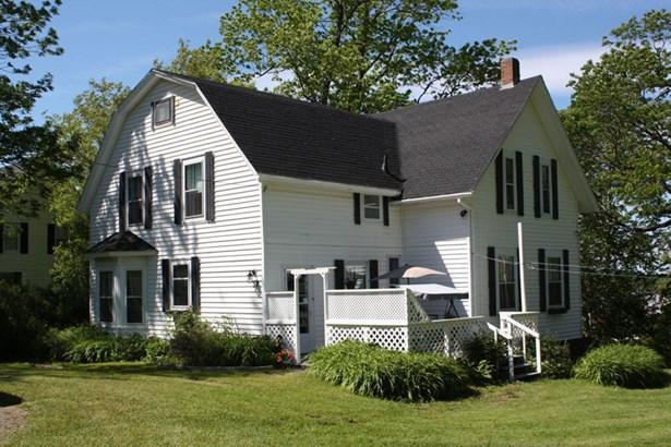 37 Church Street, Tatamagouche, NS - CAN (photo 1)