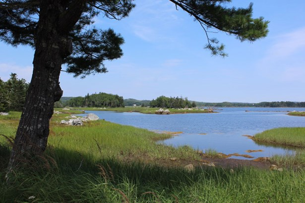 Indian Point Road, East Port Medway, NS - CAN (photo 4)