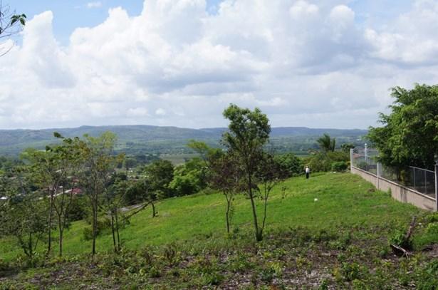 16 Vista Del Cayo Boulevard, San Ignacio - BLZ (photo 1)
