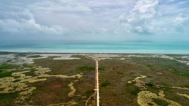 South Of Where The Yucatan Peninsula Greets The Ca, Corozal - BLZ (photo 4)