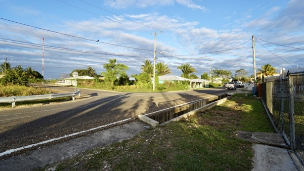 Garbutt Creek Street, Belmopan - BLZ (photo 3)