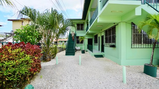 5964 Campus Avenue, Belize City - BLZ (photo 2)