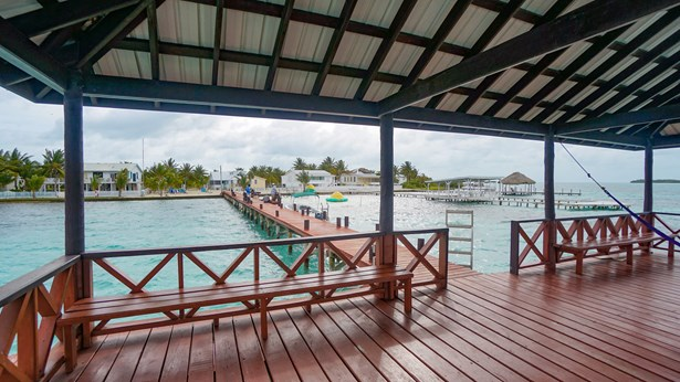 Cottage20Colony20St20Georges20Caye20Island20Retreat20For20Sale20in20Belize20001.jpg