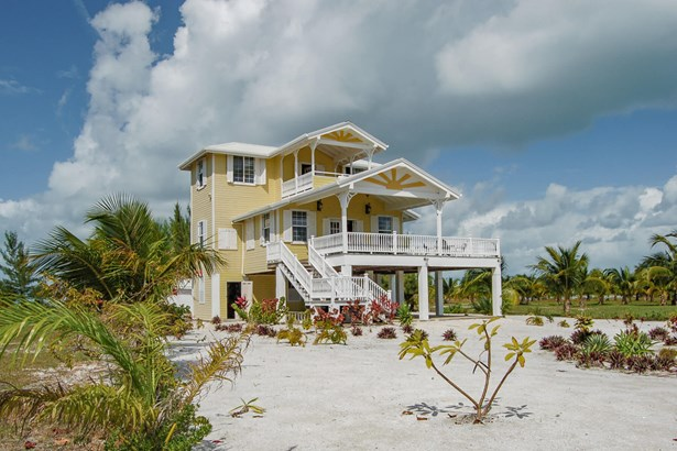 Beachfront20Home20Beach20House20Belize20Island20Georges20Caye20001-tinified.jpg