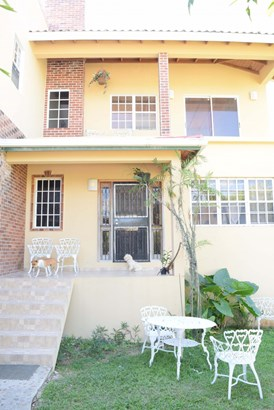 51 Collins Boulevard, San Ignacio - BLZ (photo 2)