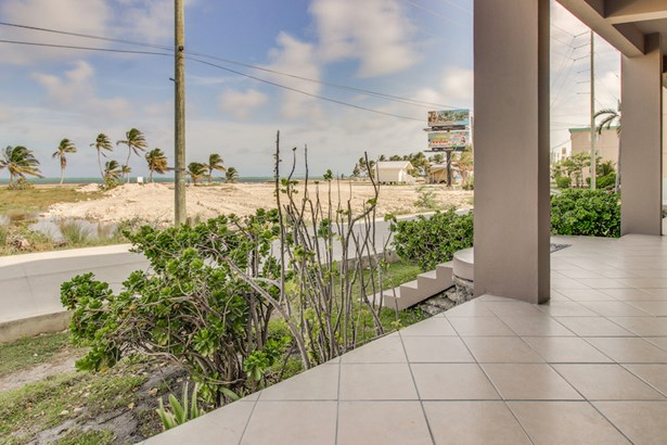 Suite C101 @ Mara Laguna, San Pedro, Ambergris Caye - BLZ (photo 2)