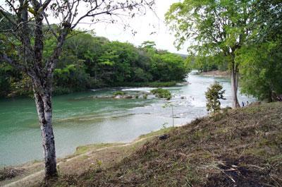 Mopan River - Benque Viejo, Benque Viejo Del Carmen - BLZ (photo 1)
