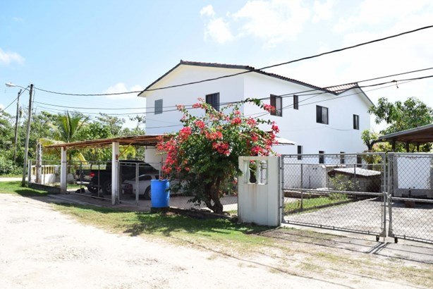 Ramon's Community, Belize District - BLZ (photo 4)