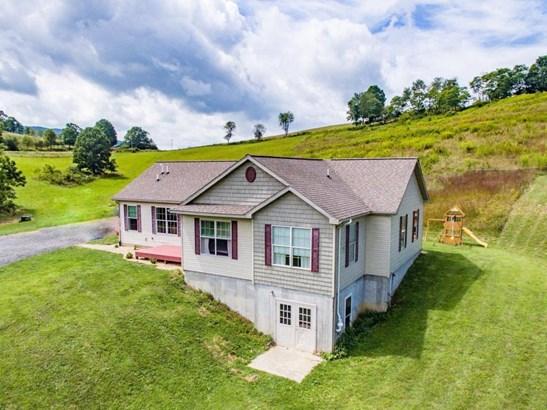 Single Family Detached, Ranch - New Castle, VA (photo 2)