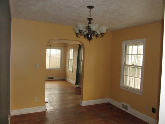 Single Family Detached, Cape Cod - Pulaski, VA (photo 3)