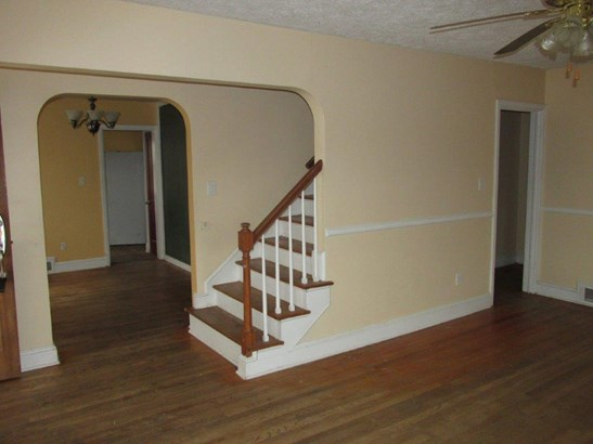 Single Family Detached, Cape Cod - Pulaski, VA (photo 5)