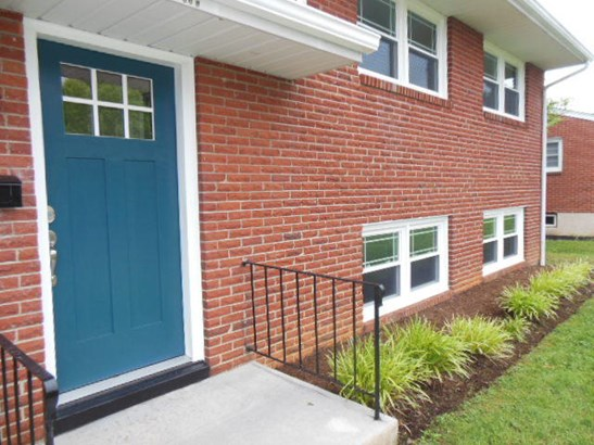 3 Level Split, Single Family Detached - Roanoke, VA (photo 5)