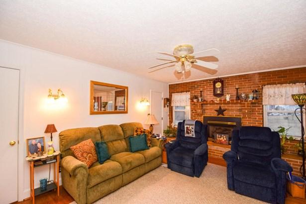 Single Family Detached, 2 Story - Thaxton, VA (photo 5)