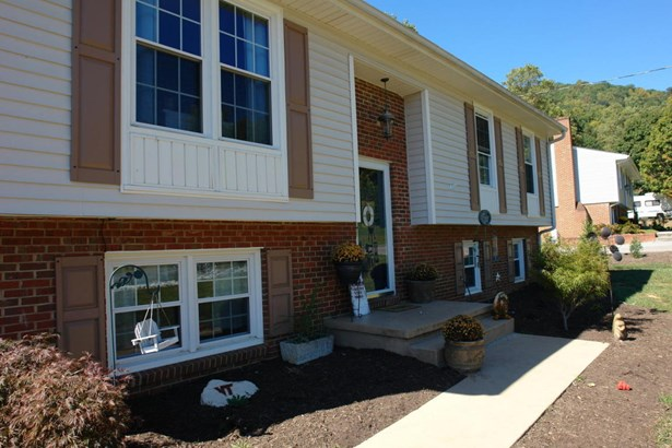 Single Family Detached, Split-foyer - Troutville, VA (photo 3)