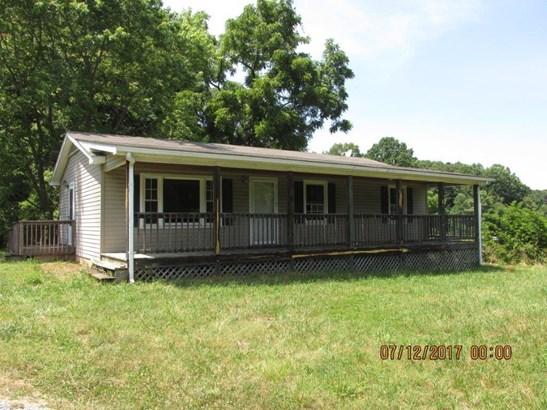 Single Family Detached, Ranch - Troutville, VA (photo 1)
