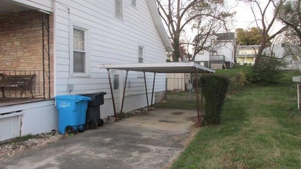 Single Family Detached, 1 & 1/2 Story - Roanoke, VA (photo 2)