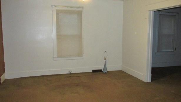 Single Family Detached, 1 & 1/2 Story - Roanoke, VA (photo 4)