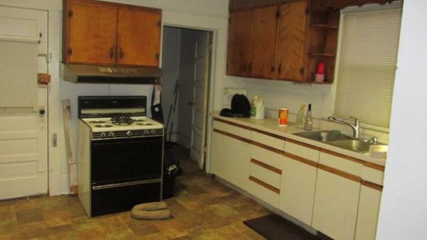 Single Family Detached, 1 & 1/2 Story - Roanoke, VA (photo 5)