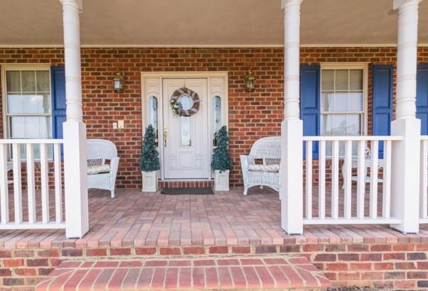 Single Family Detached, Colonial - Blue Ridge, VA (photo 4)