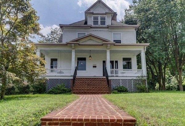 Single Family Detached, 2 Story - Roanoke, VA