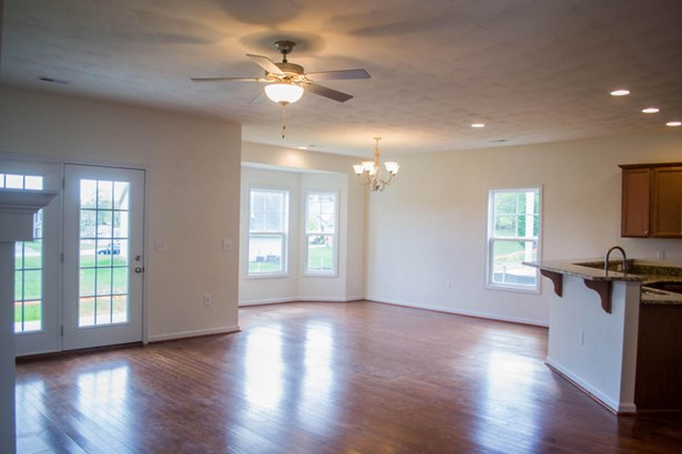 Single Family Detached, Patio Home (zero) - Roanoke, VA (photo 4)