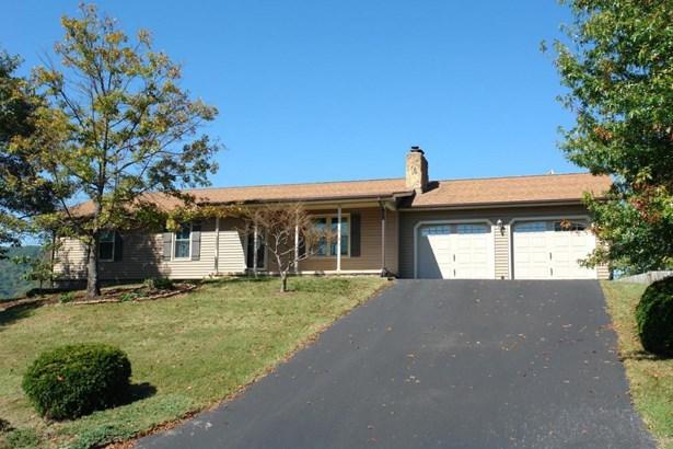 Single Family Detached, Ranch - Troutville, VA (photo 2)