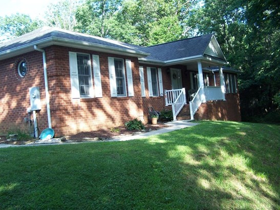 Single Family Detached, Ranch - Fincastle, VA (photo 1)
