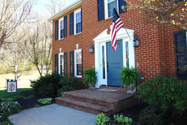 Single Family Detached, 2 Story - Roanoke, VA (photo 3)