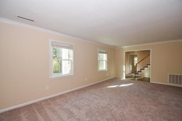 Single Family Detached, 2 Story - Vinton, VA (photo 4)