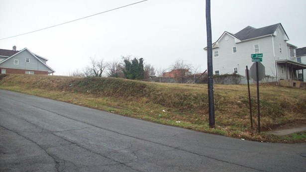 Residential - Single Family - Roanoke, VA (photo 5)