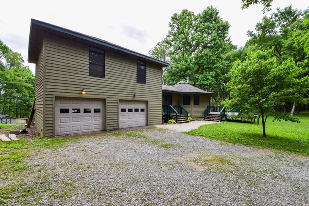 Single Family Detached, Contemporary - Callaway, VA (photo 3)