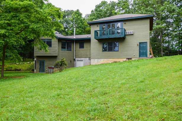 Single Family Detached, Contemporary - Callaway, VA (photo 4)
