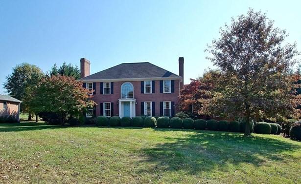 Single Family Detached, Colonial - Troutville, VA (photo 1)