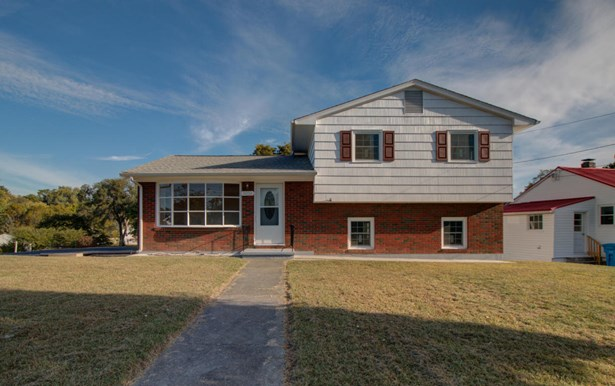3 Level Split, Single Family Detached - Roanoke, VA (photo 1)