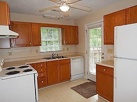 Single Family Detached, Ranch - Vinton, VA (photo 4)