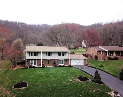 Single Family Detached, 2 Story - Vinton, VA (photo 2)