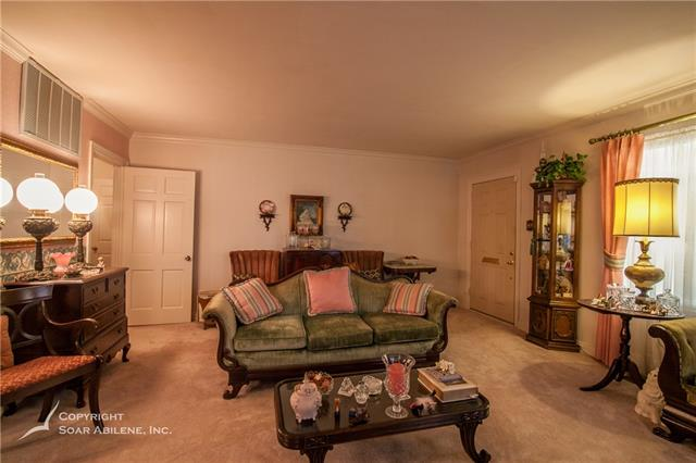 RES-Single Family, Colonial - Abilene, TX (photo 5)