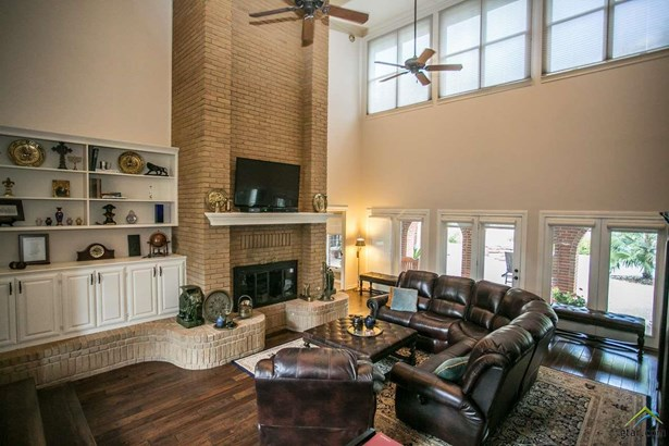Single Family Detached, Traditional,Colonial - Tyler, TX (photo 4)