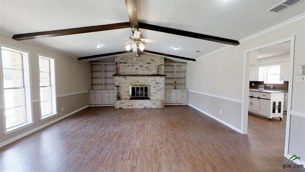 Single Family Detached, Traditional - Whitehouse, TX (photo 5)