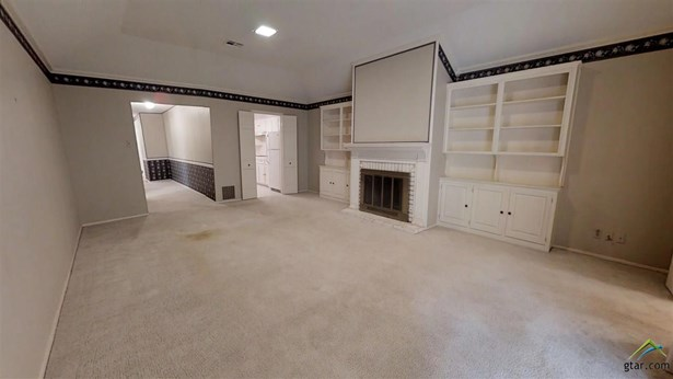Traditional, Town Home - Tyler, TX (photo 5)