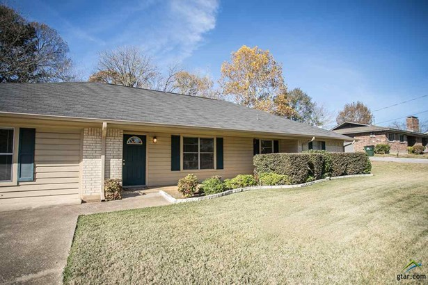 Single Family Detached, Traditional - Tyler, TX (photo 2)
