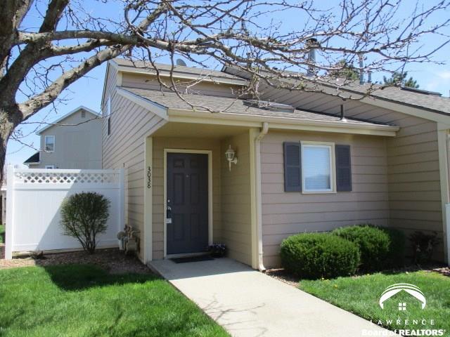 1.5 Story, City-Townhouse - Lawrence, KS (photo 1)