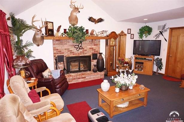 Rural Residential, 1 Story,Ranch - Pomona, KS (photo 2)