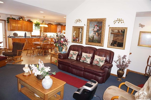 Rural Residential, 1 Story,Ranch - Pomona, KS (photo 4)