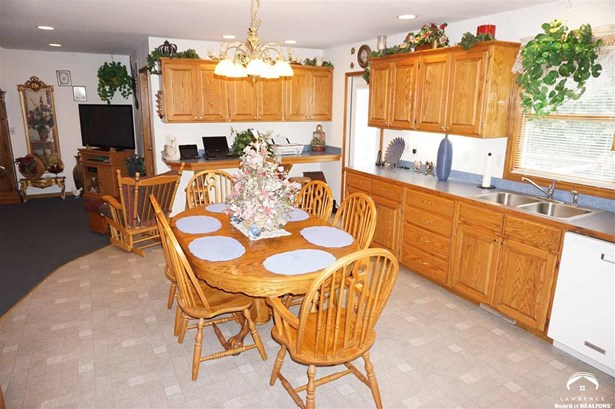 Rural Residential, 1 Story,Ranch - Pomona, KS (photo 5)
