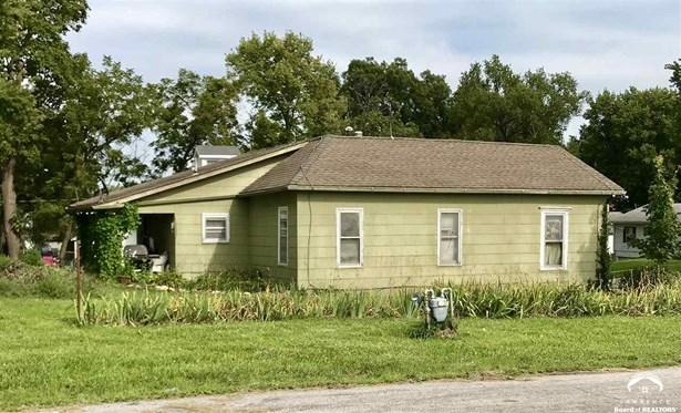 1 Story, City-Single Family - McLouth, KS (photo 3)